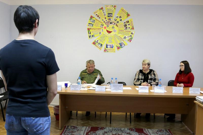Осенний призыв в Удачном. Новобранцы готовятся к отправке на место службы