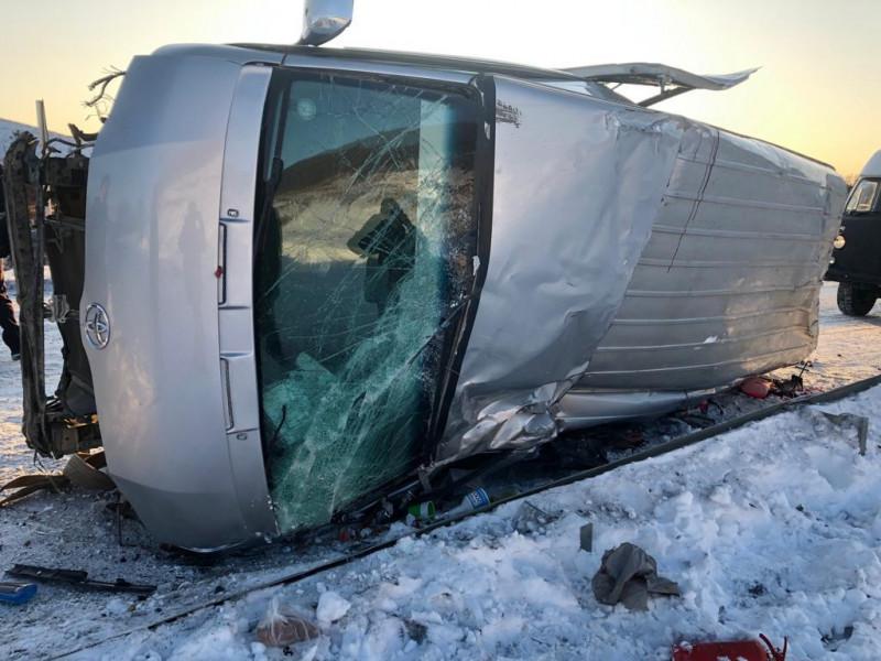 """Наехал на ограждение. В результате ДТП на автотрассе """"Колыма"""" в Якутии погибпассажир"""
