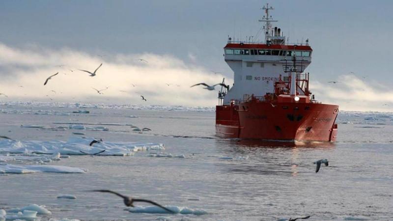 Исландия ищет возможность построить международный порт для Северного морского пути