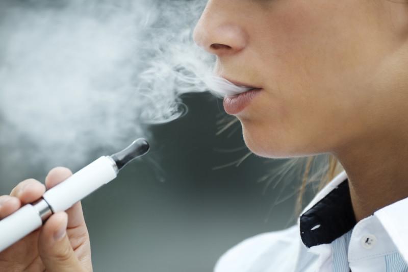 В Якутии могут запретить продажу электронных сигарет