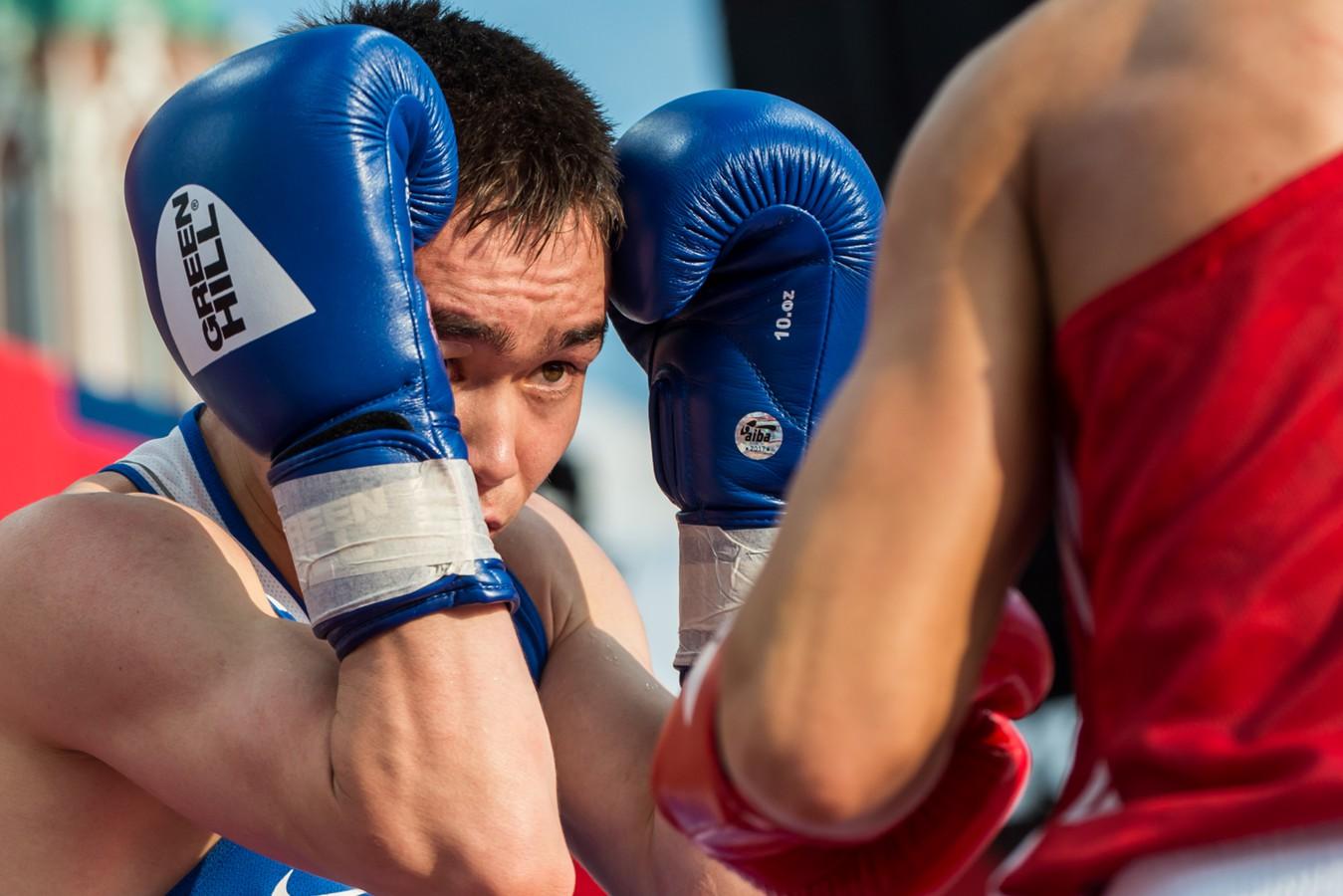 Василий Егоров прорвался в финал чемпионата России по боксу