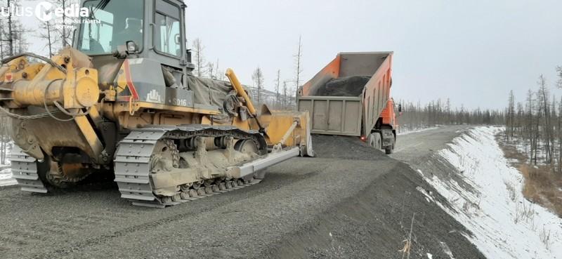В Томпонском районе ведут ремонт федеральной, республиканской и муниципальной автодорог