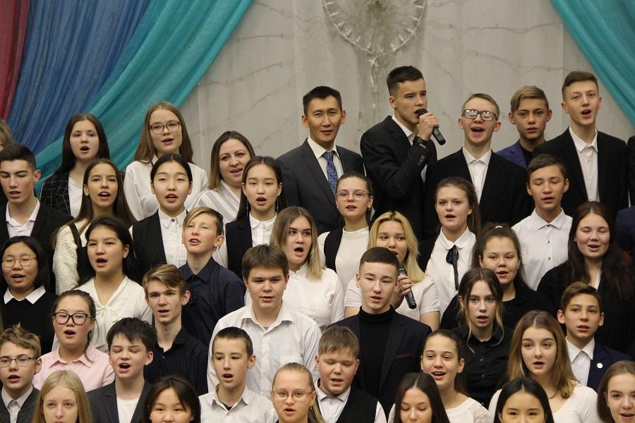 В Мирнинском районе разработают регламент исполнения гимна в школах