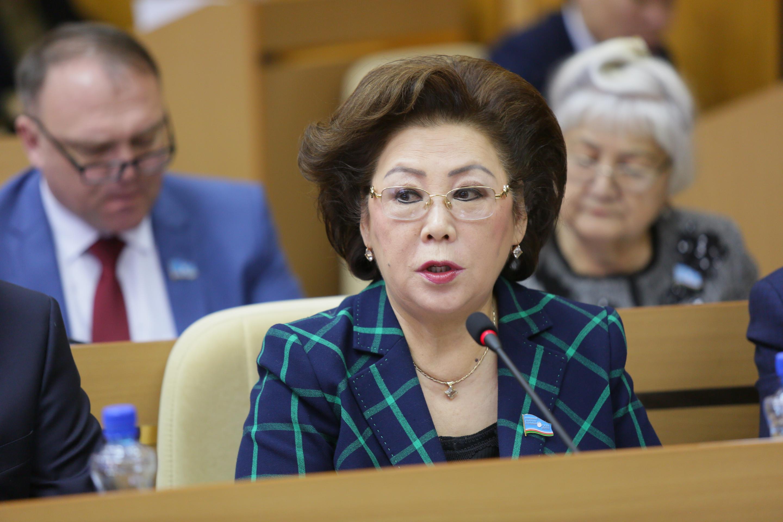 Феодосия Габышева: Приоритет нового указа главы Якутии – воспитание гармонично развитого гражданина