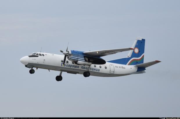 Летевший в Олекминск самолет вернулся в Якутск из-за сбоя в работе двигателя