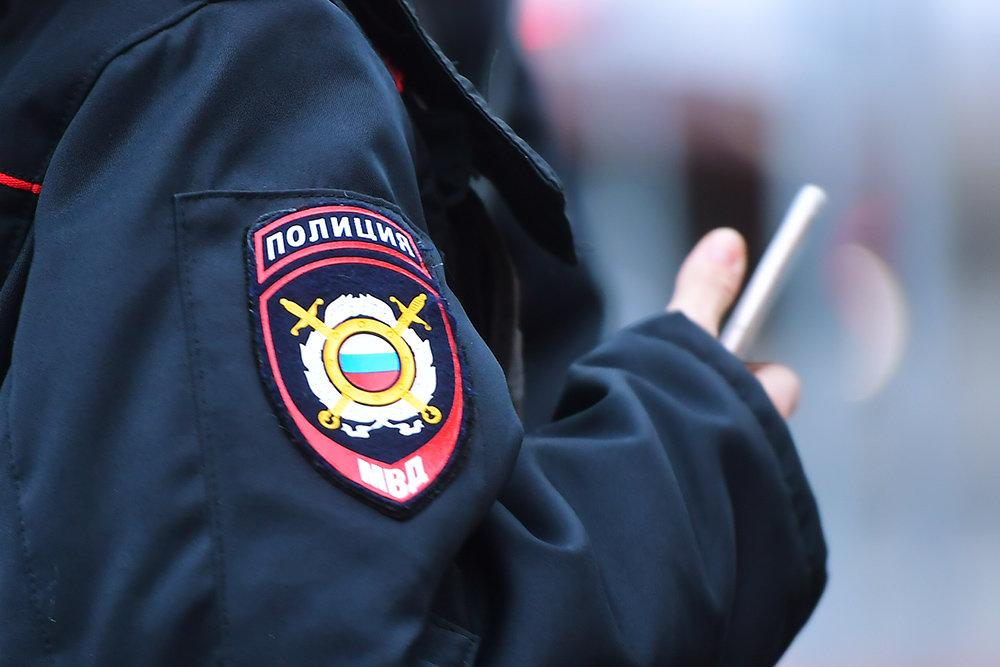 Похитили два пистолета и скрылись. В Ленске напали на сотрудников охраны
