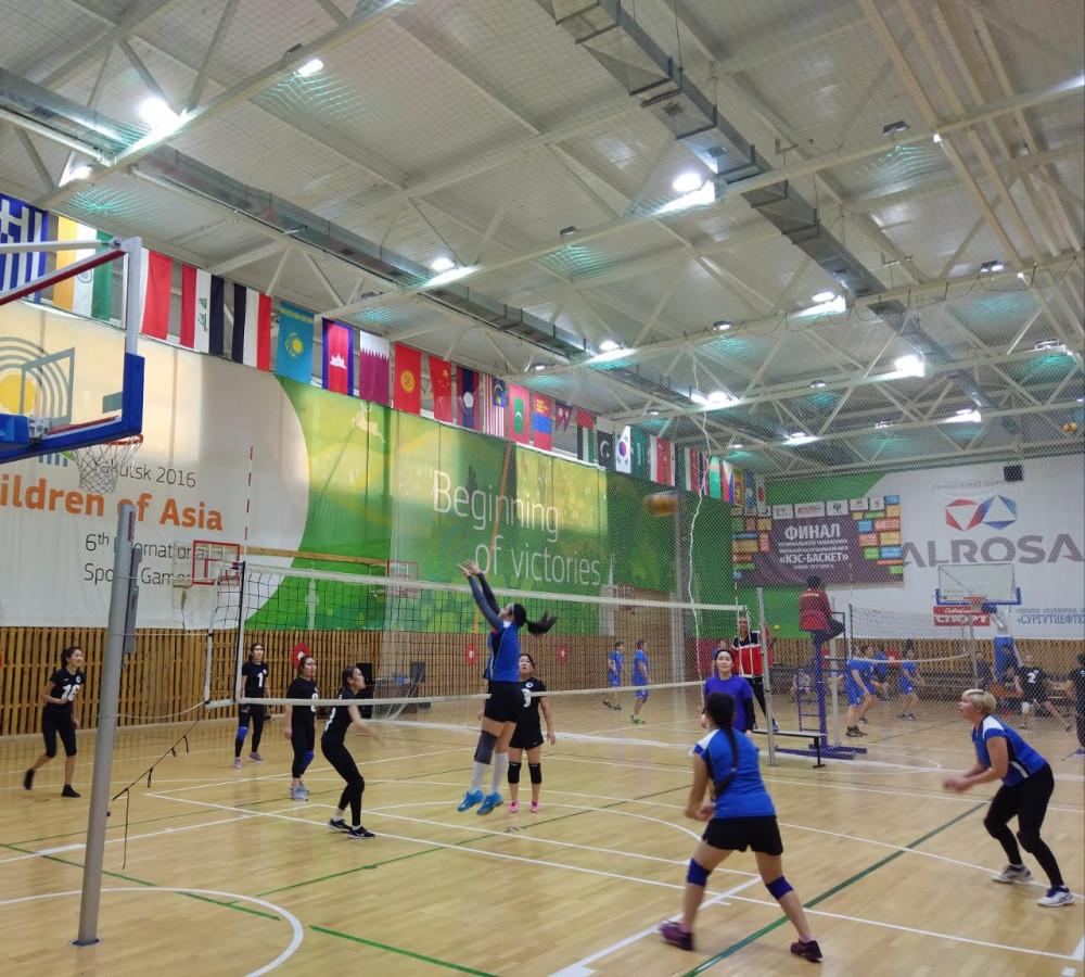 АЭБ собрал трудовые коллективы Якутии на Кубке по волейболу