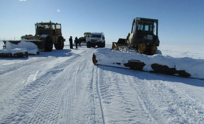 Чтобы до Якутска с ветерком. В Верхоянском районе Якутии дорожники обустраивают зимник