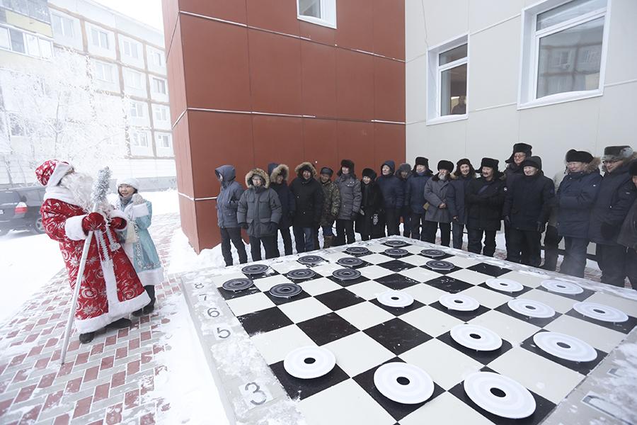 Холод не помеха. В Якутске сыграли в шашки на 46-градусном морозе