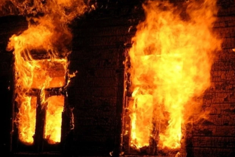 Из-за неосторожного обращения с огнем в Якутии погибли двое мужчин