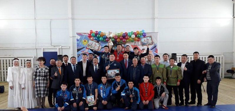 В Нюрбинском районе в новом спорткомплексе состоялся турнир по хапсагаю на Кубок АЛРОСА