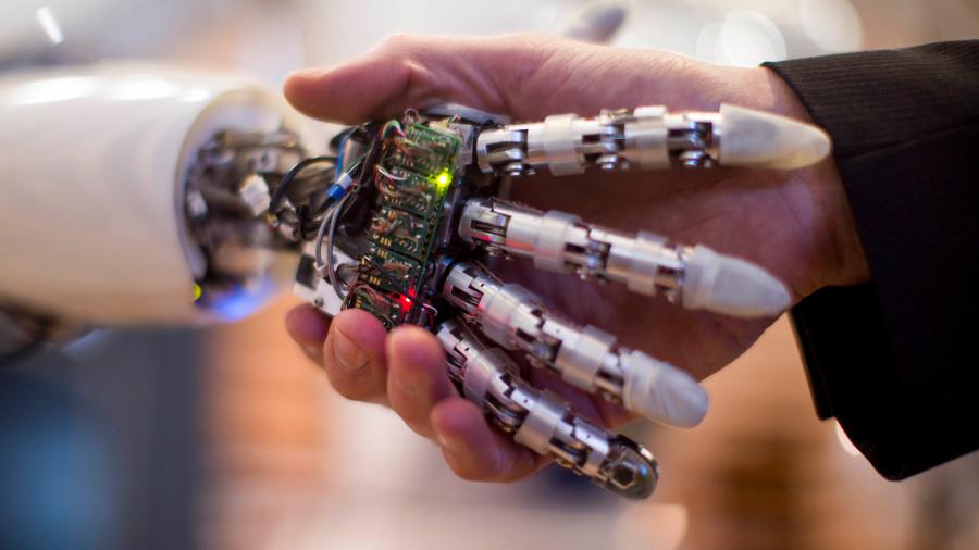 Медведев призвал не бояться искусственного интеллекта