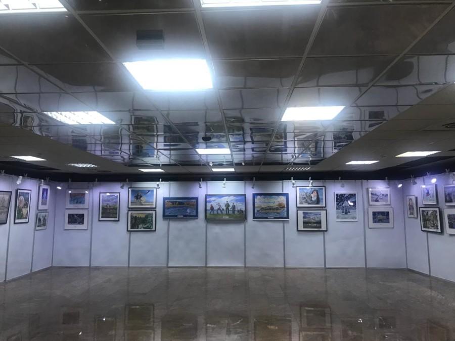 """Рисунки школьников всей Якутии представлены на выставке """"Пою моё Отечество"""""""
