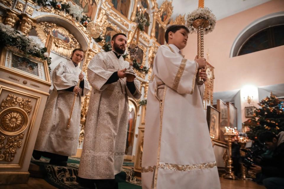 Фоторепортаж. Православные якутяне встретили Рождество Христово