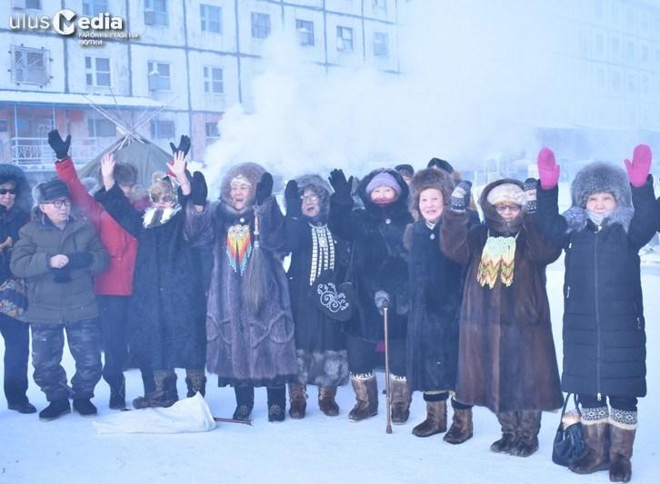 В арктическом поселке Депутатский прошла церемония встречи солнца