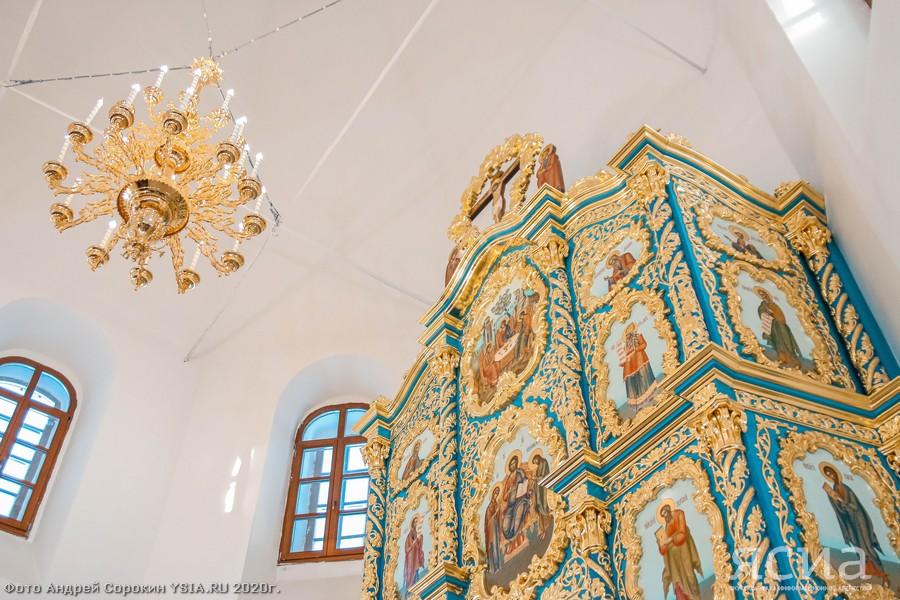ФОТО. В Якутии воссоздали уникальный старинный иконостас