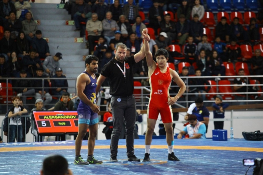 Вольник Ньургун Александров завоевал золотую медаль на Кубке Тахти в Иране