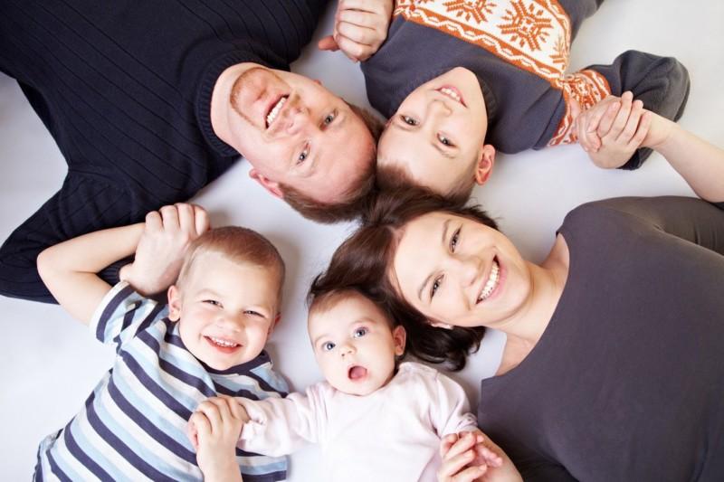 Пенфонд: В Якутии семьям с детьми до 3 лет, имеющим право на маткапитал, начали выплаты 5000 рублей