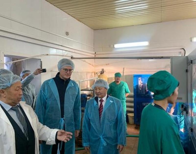 Владимир Солодов посетил сельхозкооператив «Чурапча»