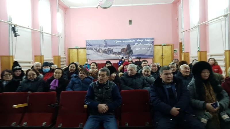 Устьянцы озвучили вопросы подключения к центральному отоплению, строительства школы, сада и ФАП