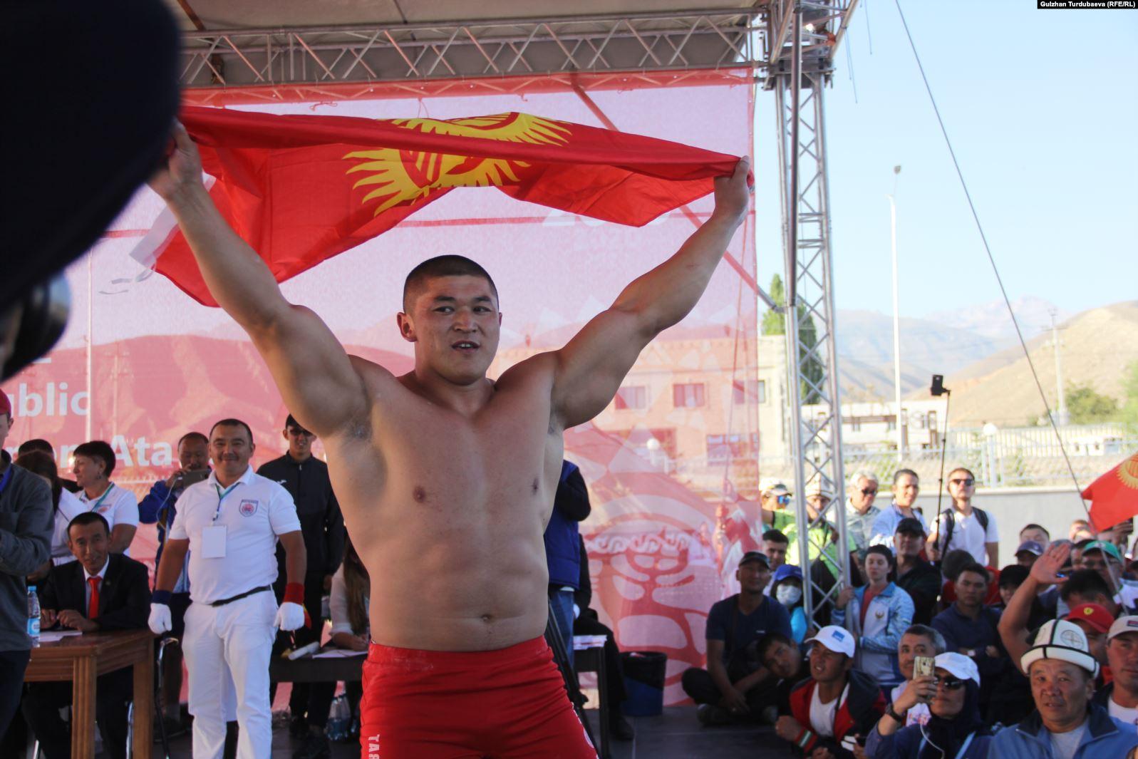 В Кыргызстане впервые появились мастера спорта международного класса по мас-рестлингу
