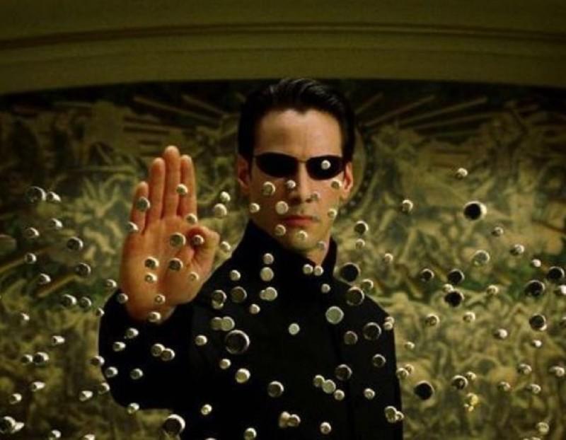 В сети появились первые кадры со съемок «Матрицы 4» с Киану Ривзом