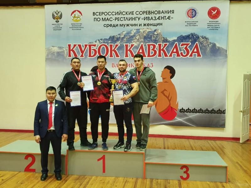 Якутские масрестлеры добыли почти все золото «Кубка Кавказа»