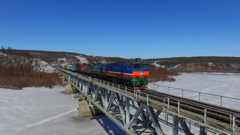 Перевозка продовольственных грузов по железной дороге в Якутии в январе выросли на 66%