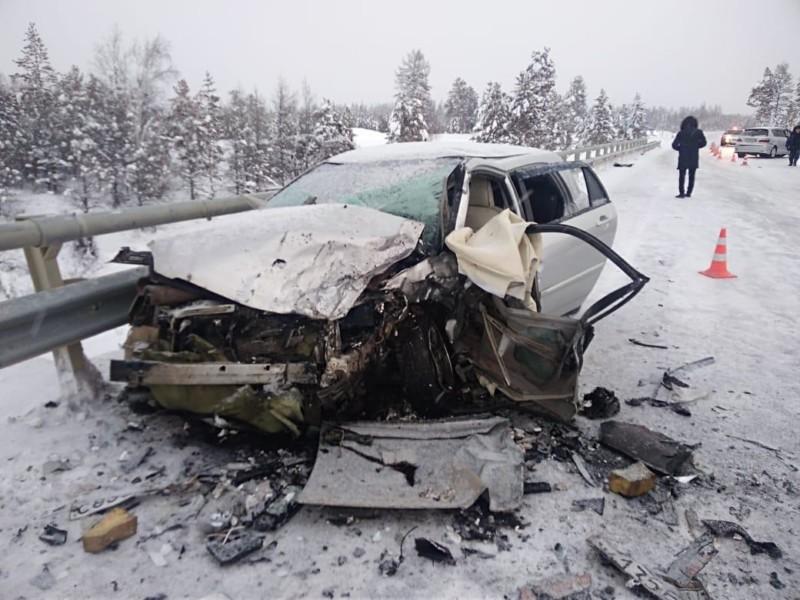 В Якутии в ДТП два человека получили серьезные травмы, один из них 14-летний подросток