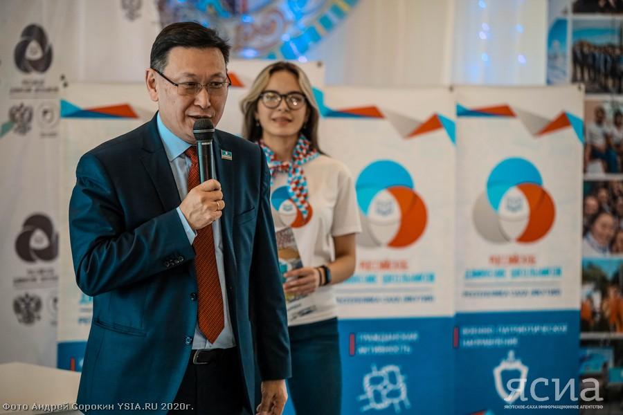 Министр образования Якутии посоветовал школьникам, чем руководствоваться при выборе профессии