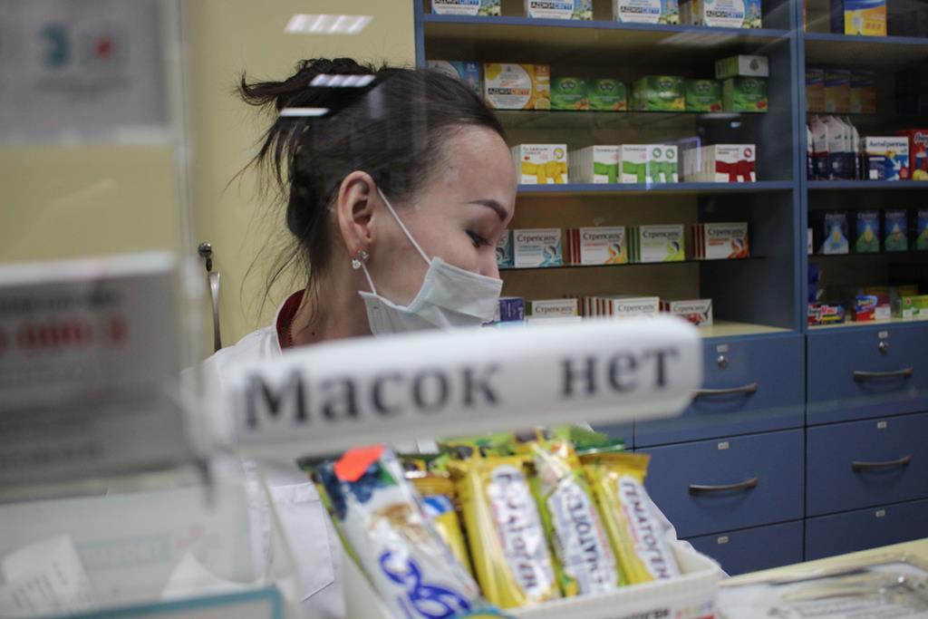 Масок почти нет: В Якутии начались рейды по аптекам