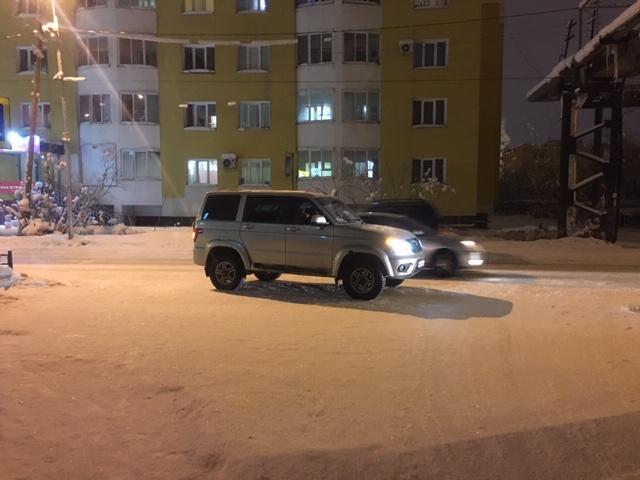 В Якутске УАЗик  сбил ребенка, переходившего улицу в неустановленном месте