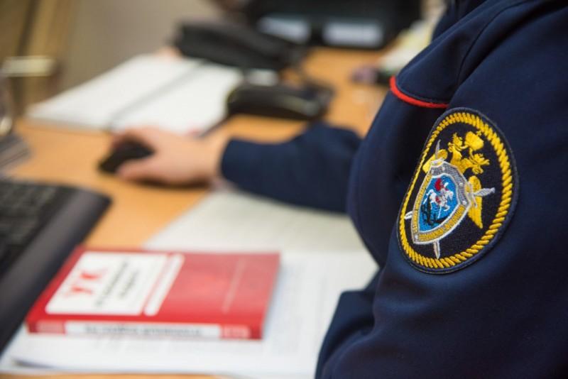 Устанавливаются обстоятельства инцидента, при котором школьник в Якутске получил ножевое ранение