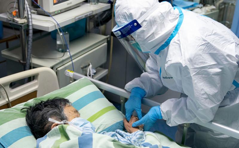 Число жертв коронавируса в Китае выросло до 3042