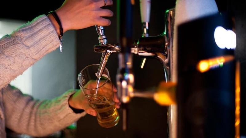 В России могут ограничить продажу алкоголя в барах и ресторанах