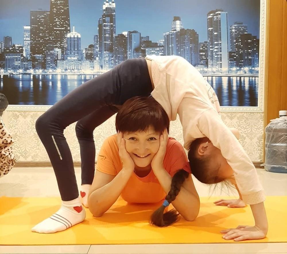 Конкурс «Тренируйся дома со всей семьей» выиграла семья из Якутска