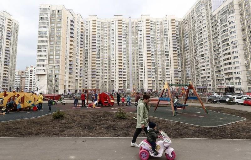 Кабмин продлил на два месяца срок действия жилищных сертификатов молодым семьям