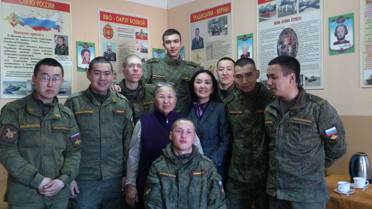 В Комитете солдатских матерей призвали ограничить количество встречающих демобилизованных якутян
