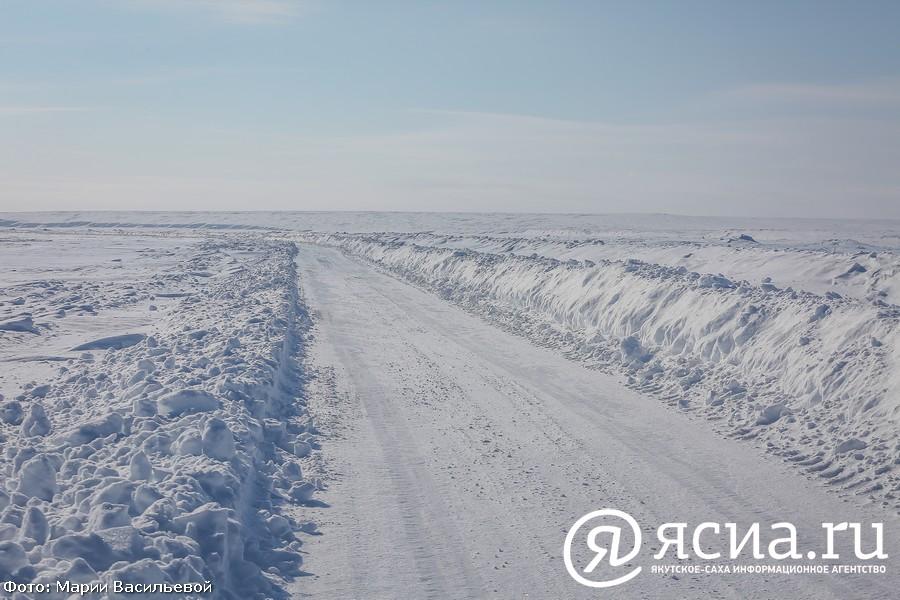 Ограничение по тоннажу автотранспорта вводят на ледовых переправах Якутии с 13 апреля