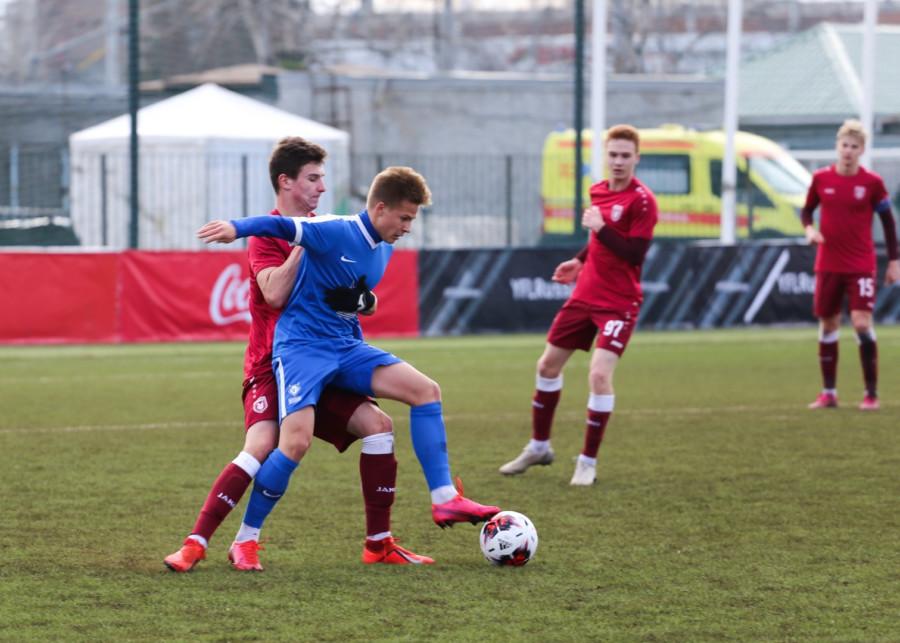 Якутский футболист близок к чемпионству в Юношеской футбольной лиге