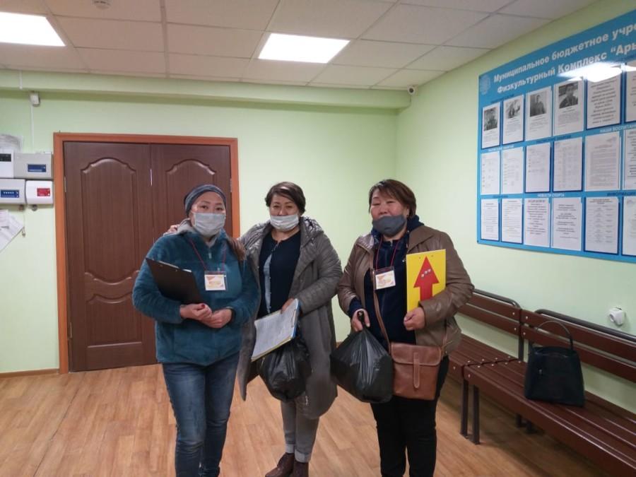В Мирнинском районе добровольцы из национальных общин оказываютпомощь нуждающимся