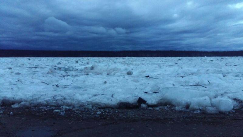 Сегодня было произведено два подрыва затора на реке Лене