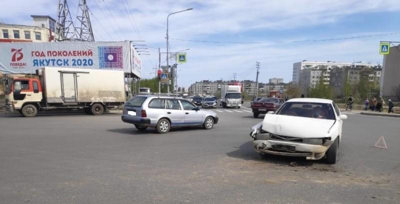 В Якутске в двух ДТП пострадали женщина и велосипедист