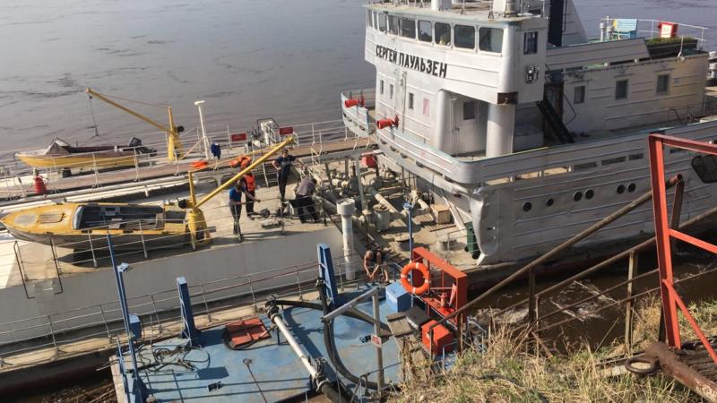 Более 40 тысяч тонн нефтепродуктов планируется доставить на Хандыгскую нефтебазу