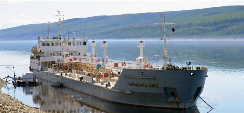 Саханефтегазсбыт отгрузил более 22 тысяч тонн нефтепродуктов