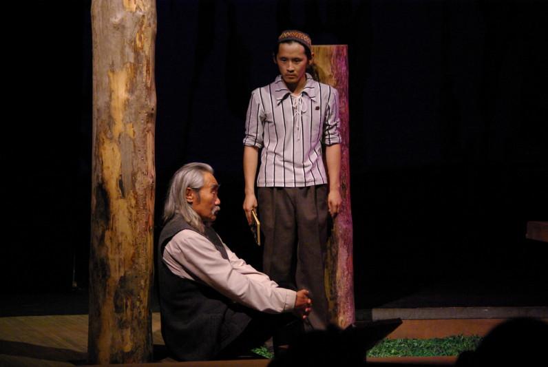 Саха театр ко Дню России покажет спектакль «Көмүөл». Постановка будет доступна в течение суток