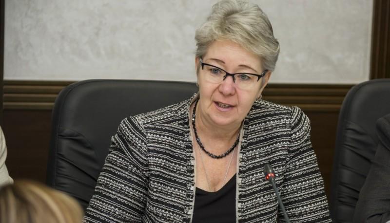 Евдокия Евсикова: Поправки в Конституцию РФ закрепляют защиту и сохранение традиционных ценностей
