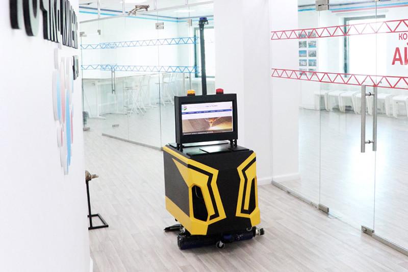 Проект робота СВФУ для влажной уборки помещений собирается выходить за рубеж