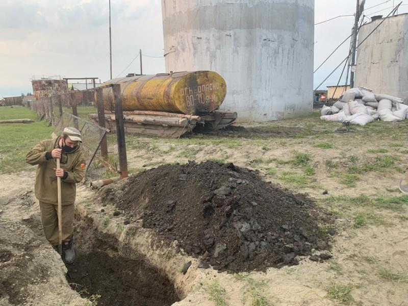 Работу по ликвидации разлива дизтоплива в Аргахтахе планируют завершить сегодня