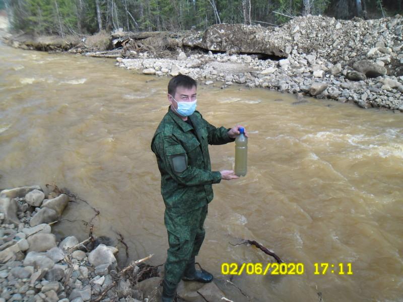Золотодобытчики загрязнили реку Ыллымах в Алданском районе